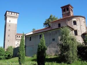 La chiesa di S.M. Assunta e la torre del castello.