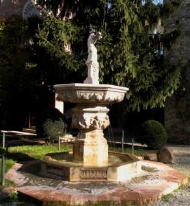 - fontana delle ceramiche -
