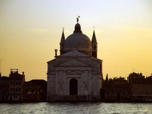 al tramonto chiesa del redentore