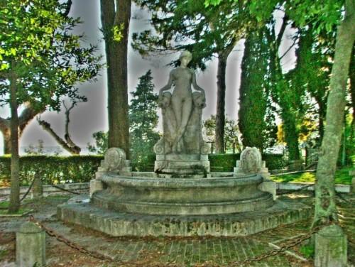 Giove - Fontana senza acqua