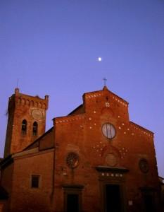 La luna festeggia l'immacolata Concezione (cattedrale di S. Maria Assunta)