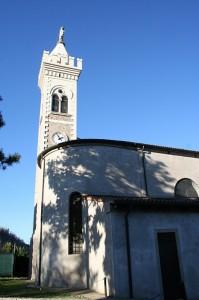 Anche la Chiesa di Castelnuovo ha un retro