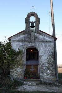 La facciata del capitello