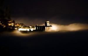 Assisi San Francesco - Basilica nella nebbia