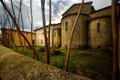 Montale - I morti resuscitano nell' Abbazia di S. Salvadore in Agna