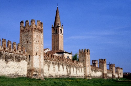 Montagnana - Il campanile della chiesa di San Francesco spunta dalle mura