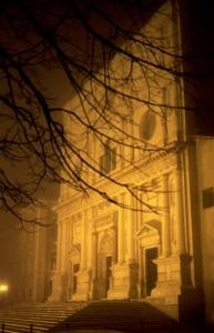San berbardino avvolta dalla nebbia