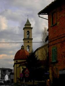 La chiesa di Santa Maria immersa nella vita comune