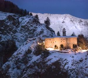 S. Agnese in notturno durante una nevicata