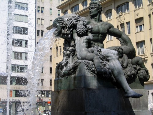Torino - Fontana piazza Solferino 4,Torino.