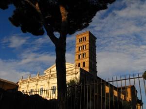 il campanile di sant'alessio sul colle aventino