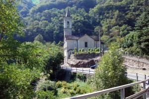 La chiesa di S. Maria in Traffiume - Il ponte dell'Orrido di S. Anna.