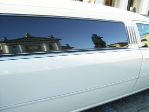 duomo riflesso sulla limousine