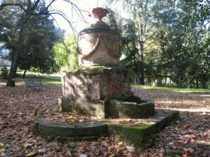 Fontana nel parco della Villa Medicea