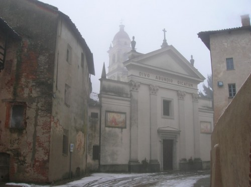 Buronzo - Immersa nella nebbia