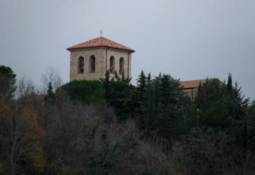 Castel San Vincenzo - San Vincenzo al Volturno in una giornata grigia