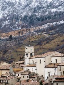 Chiesa di Barrea agli inizi dell'inverno