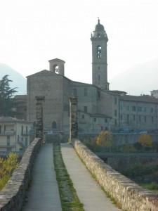 """La Chiesa vista dal """"Ponte Gobbo"""""""