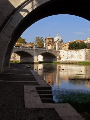 Roma - Da sotto il ponte