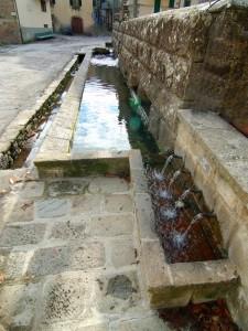 Fontana-lavatoio della Peschiera