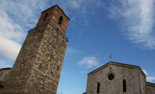 Chiusi - campanile al vento