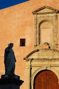 Chiesa con Santo