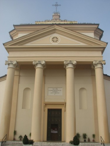 Villa Bartolomea - La facciata dei piccioni