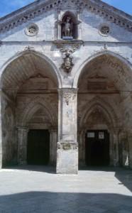Ingresso del Santuario di San Michele Arcangelo a Monte Sant'Angelo