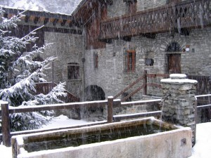 Fontana in inverno a St. Rhemy
