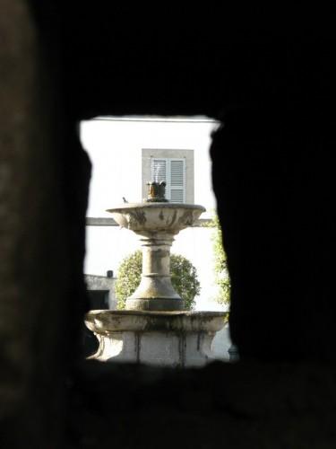 Vitorchiano - fontana nel buco!
