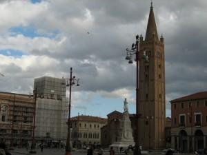 Nubi sul campanile