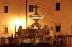Fontana Pia e orologio solare