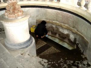 Fontane alla sorgente dell' acqua Acidula