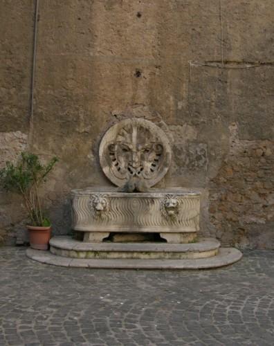 Roma - Fontana di palazzo Mattei.