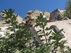 Pentedattilo…chiesa e Monte Calvario