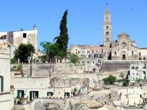Il Duomo di Matera tra i sassi