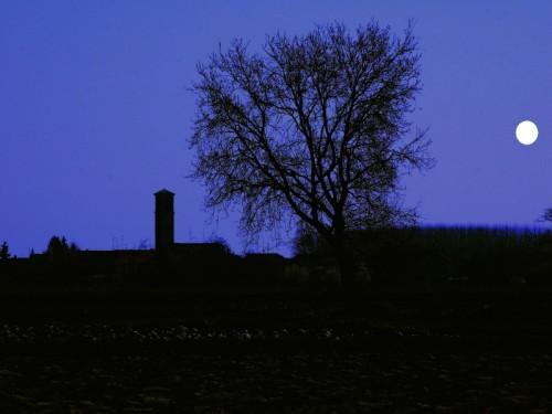 Suardi - La Chiesa e la Luna