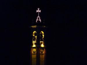 luci del campanile in festa