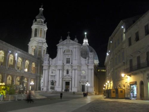 Loreto - Agorà e fontana