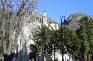chiesa vicino al borgo medioevale