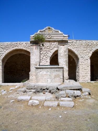 Isole Tremiti - per dare acqua al vicino refettorio dei monaci
