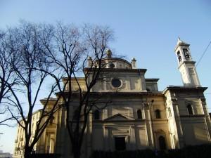 chiesa a milano (non so il nome)
