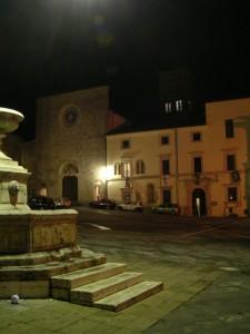 Cittàducale - La Cattedrale e la Fontana in Piazza del Popolo