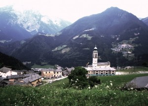 Fra le montagne