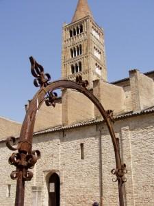 il pozzo dell'abbazia di pomposa (fe)