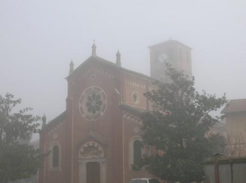Oldenico - chiesa di San Lorenzo nella nebbia