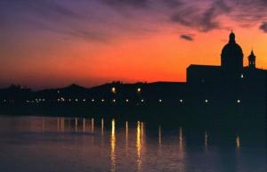 La sagoma di San Frediano in Cestello al tramonto