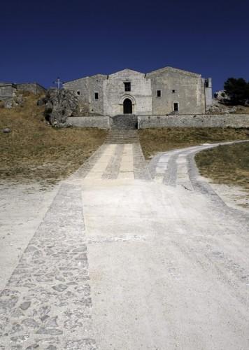 Caltabellotta - la chiesa in cima al monte