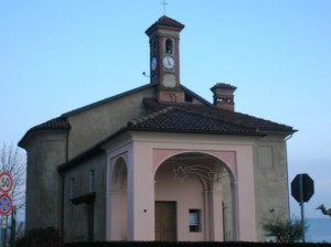 Chiesa sul lago  in frazione Anzasco