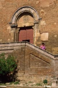 Portale della Chiesa di San Francesco a Chiusi